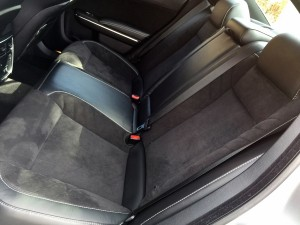 2015_dodge_charger_rear_seat-1200