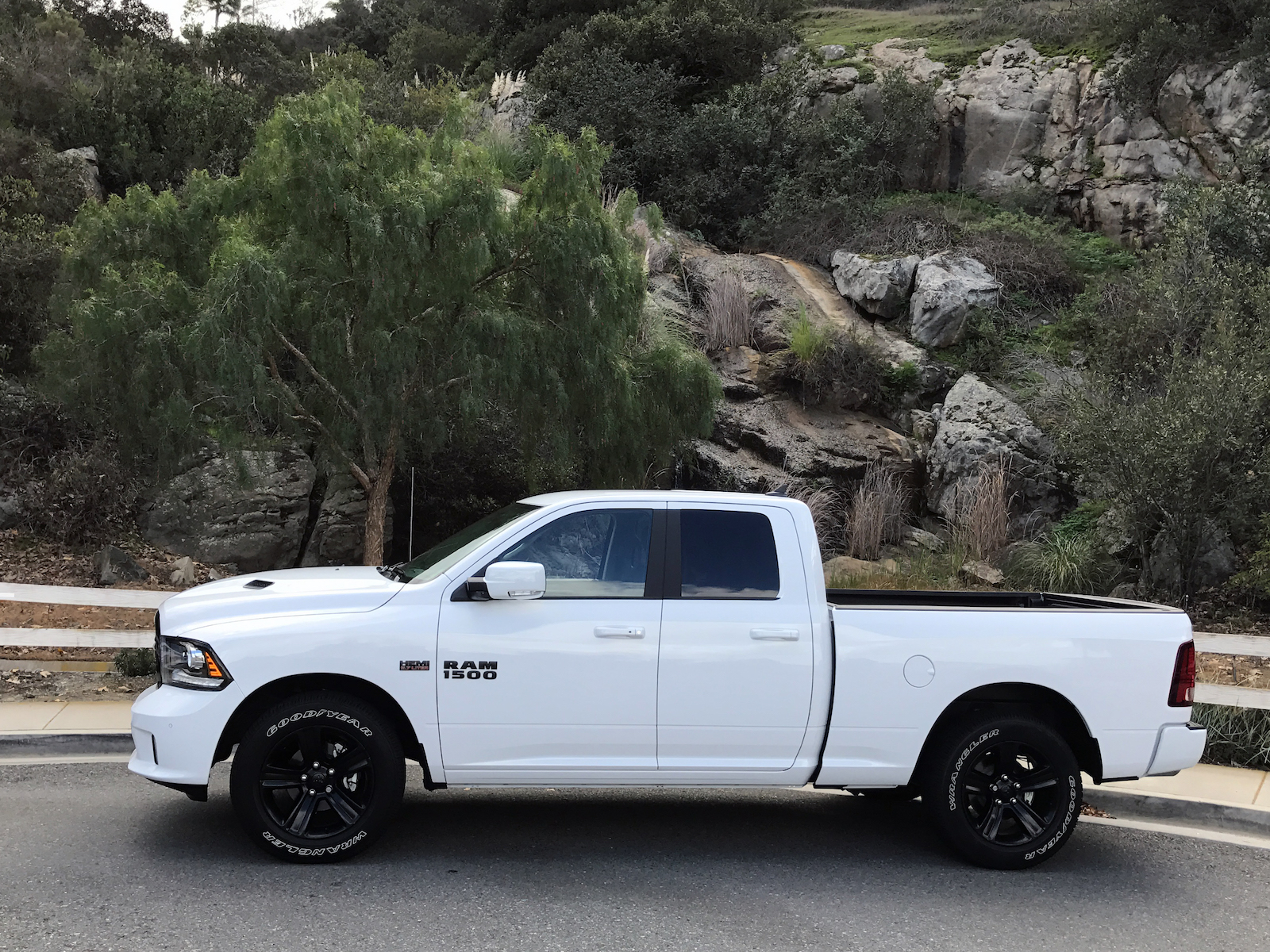 chris dukeduke 39 s drive 2017 ram 1500 night edition quad cab 4x2 review chris duke. Black Bedroom Furniture Sets. Home Design Ideas